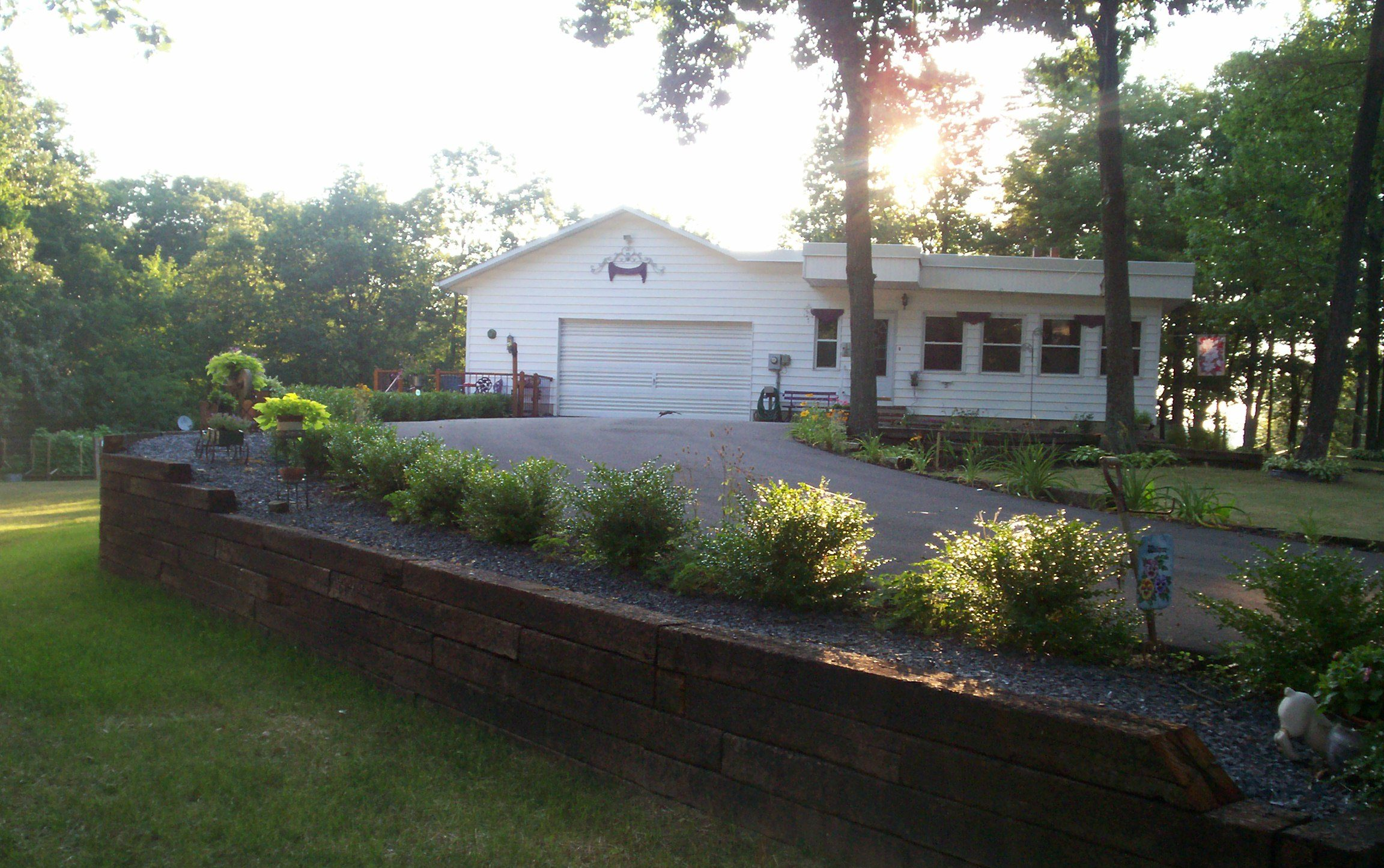 retaining wall driveway, done by our landscaping experts